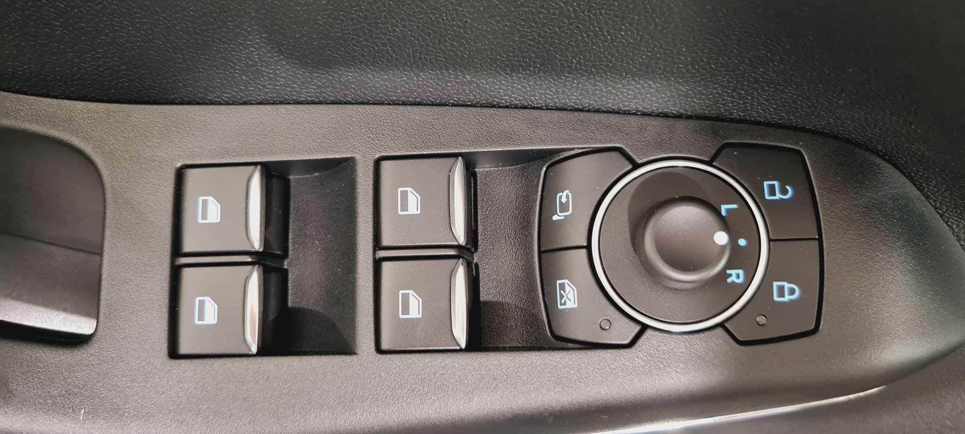 photo FORD PUMA 1.0 EcoBoost 125 ch mHEV S&S DCT7 Titanium