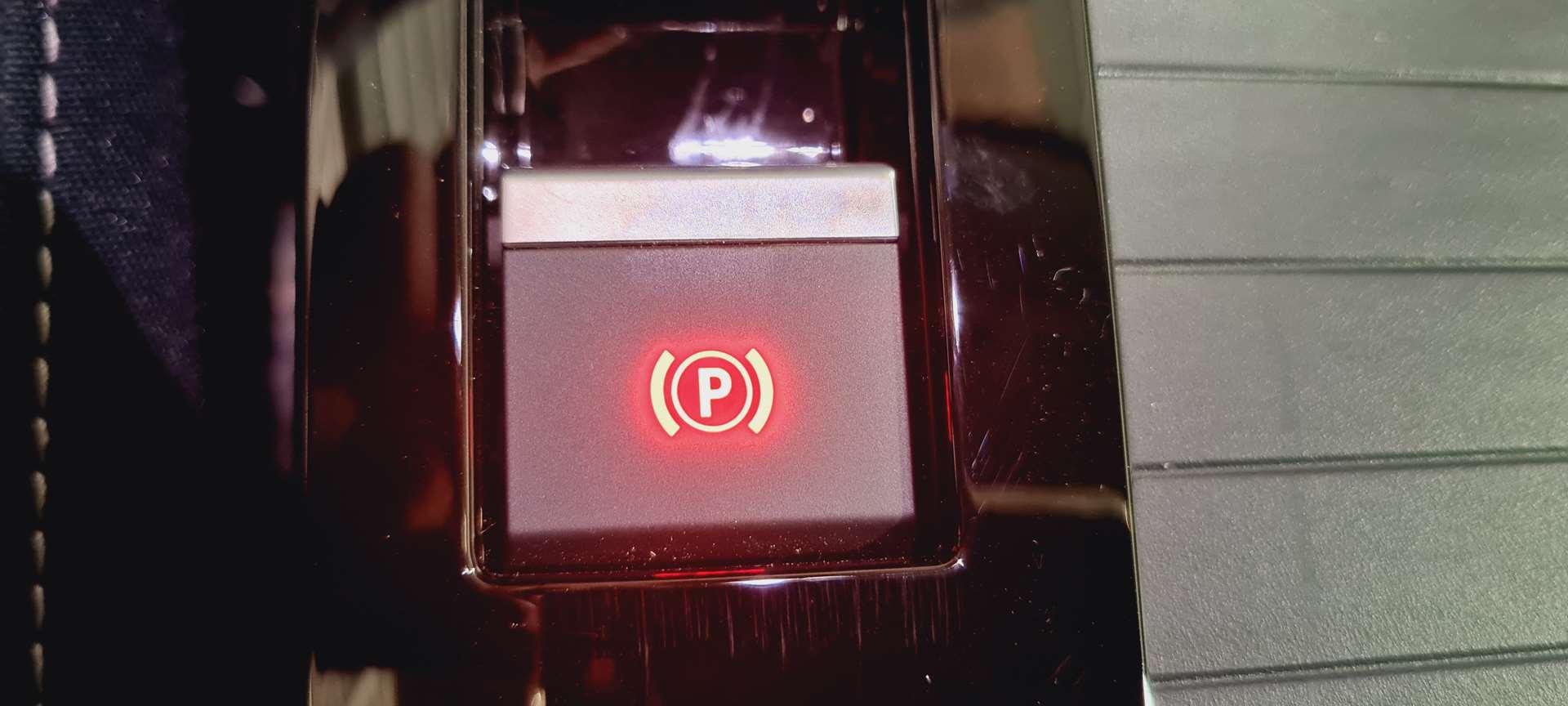 photo CITROEN C4 PureTech 130 S&S BVM6 Shine