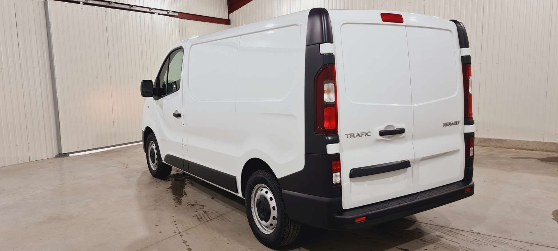 photo RENAULT TRAFIC FOURGON L1H1 1000 KG DCI 145 CONFORT