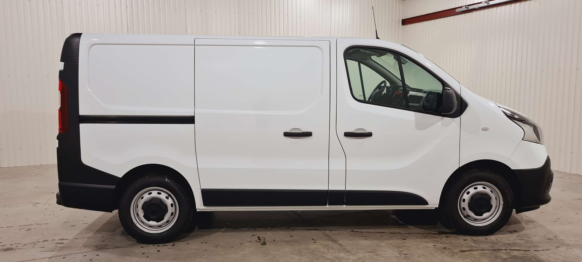 photo RENAULT TRAFIC FOURGON L1H1 1000 KG DCI 120 S&S CONFORT